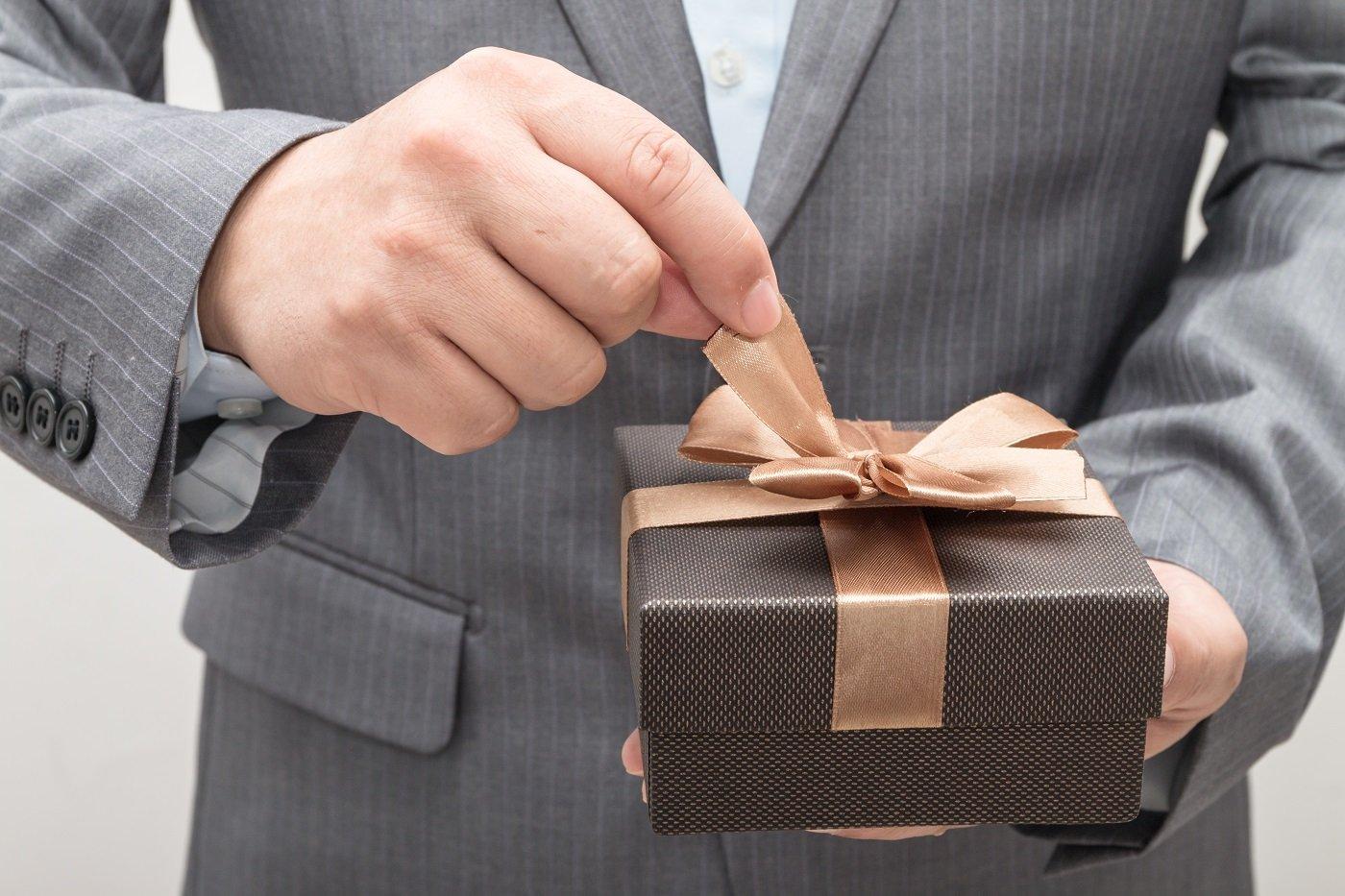 Xu hướng chọn quà tặng doanh nghiệp sang trọng dịp Tết 2021