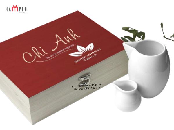 Bộ ấm trà có khắc logo và thương hiệu doanh nghiệp