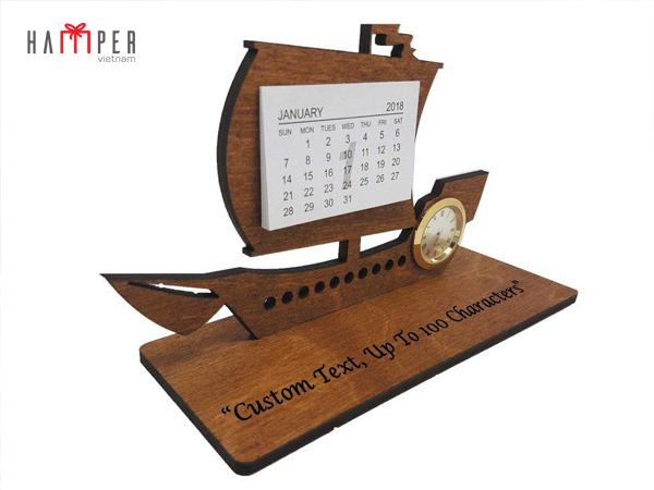 lịch gỗ thuyền buồm