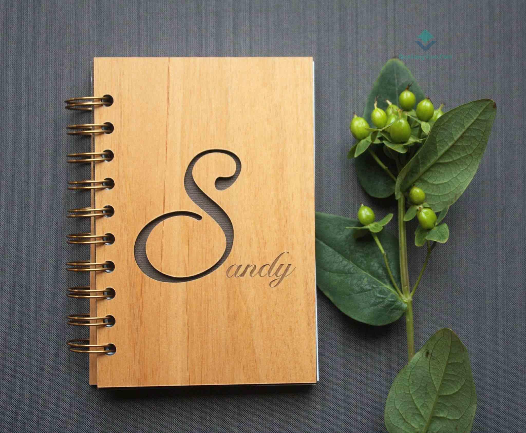 Sổ tay bìa gỗ sồi có khắc logo