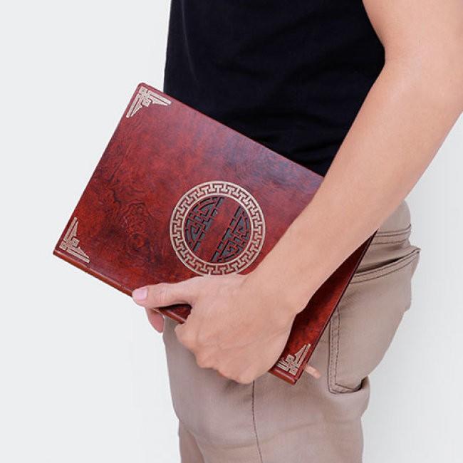 Sổ tay bìa gỗ là tặng phẩm được nhiều doanh nghiệp lựa chọn