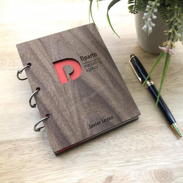 Hamper Vietnam chuyên thiết kế và sản xuất sổ tay bìa gỗ khắc logo độc đáo, giá hợp lý