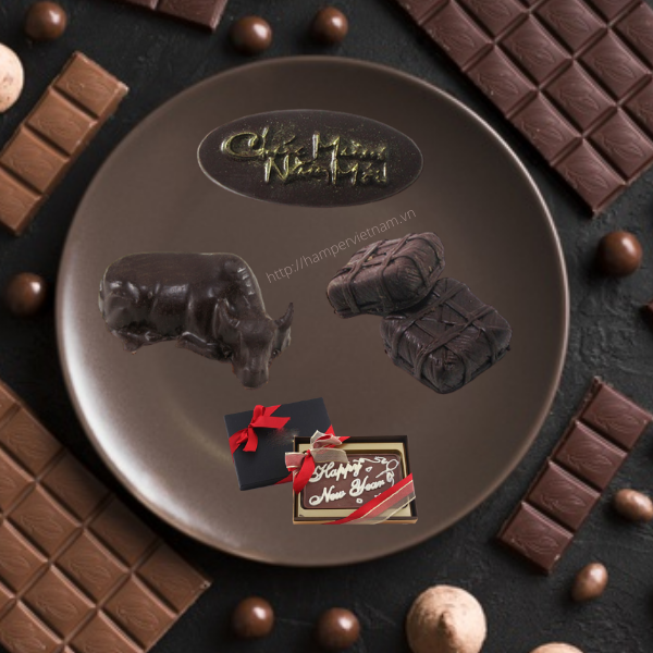 Mẫu socola tạo hình dáng, hoa văn, thông điệp theo yêu cầu thường được các doanh nghiệp lựa chọn khi muốn thể hiện một chủ đề mà nào đó nhằm mang lại một tặng phẩm ấn tượng và độc đáo.