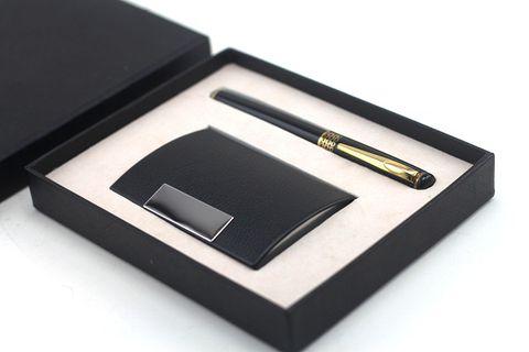 Sử dụng quà tặng doanh nghiệp giúp tạo tương tác với khách hàng lẫn nhà hoạch định chính sách