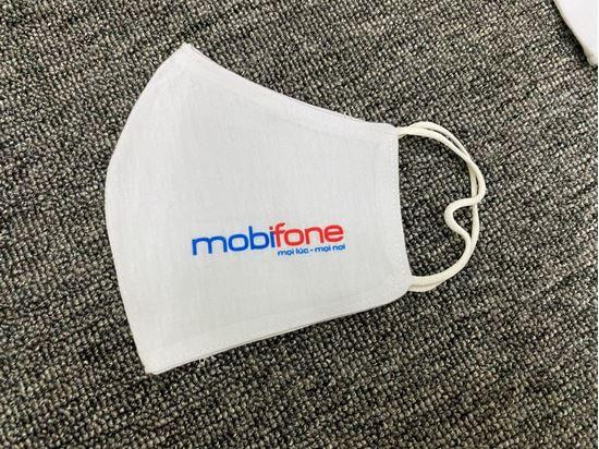 Khẩu trang in logo công ty chắc chắn là món quà vô cùng hữu ích mà được đông đảo khách hàng yêu thích